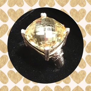 EYE-CATCHING JUDITH RIPKA YELLOW FACETED RING